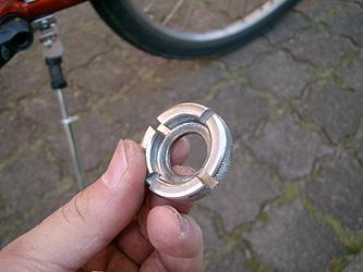 自転車の 自転車 スポーク 調整 工具 : ... ニップル回し」と言う工具